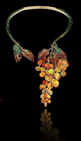 Lydia Courteille - Gardens of Xochimilco collection. Necklace. Yellow gold black rhodium, sapphires, green garnets, fire opals.
