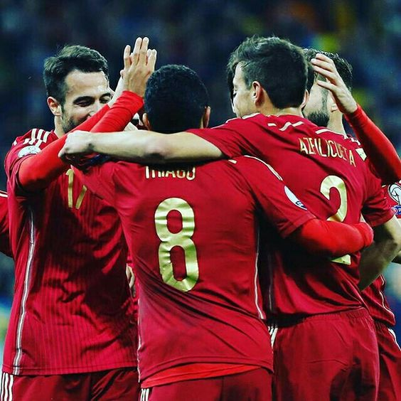 Buena victoria para acabar la fase de clasificacion! @sefutbol  Great victory to finish the qualifying stage! @uefaeuro #euro2016