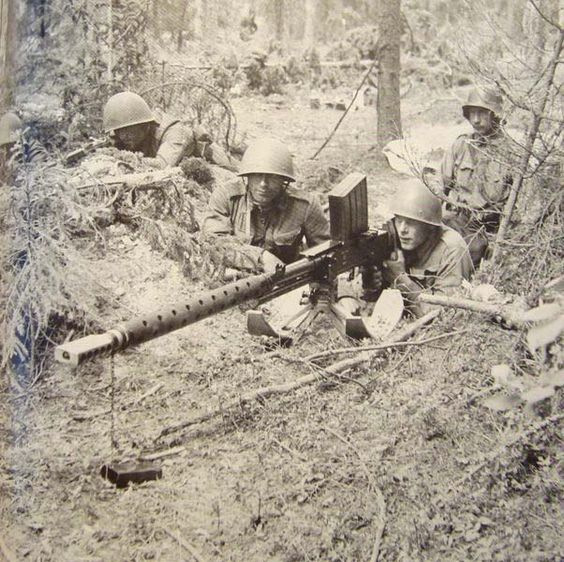 """Finnish 20mm M/39 AT-rifle in position during continuation war. Its size made transportation difficult, so it was nicknamed """"Norsupyssy"""" (""""Elephant Gun"""")."""