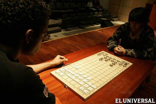 Cada jugador tiene 24 fichas con números impresos que servirán para ...