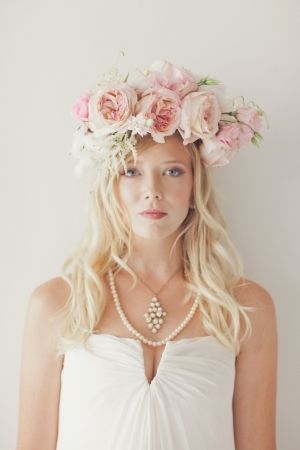 gorgeous floral headdress from BowsandArrowsDeluxe.com // photo by nbarrettphotography.com