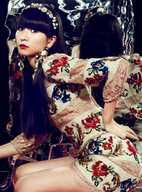 花柄の衣装を着ているかしゆかのかわいい画像
