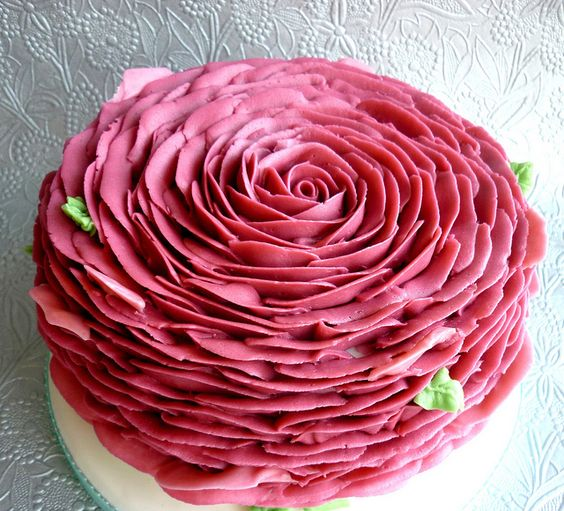Rose Petal Cake Images : Petalos de rosa, Tartas and Rosas on Pinterest