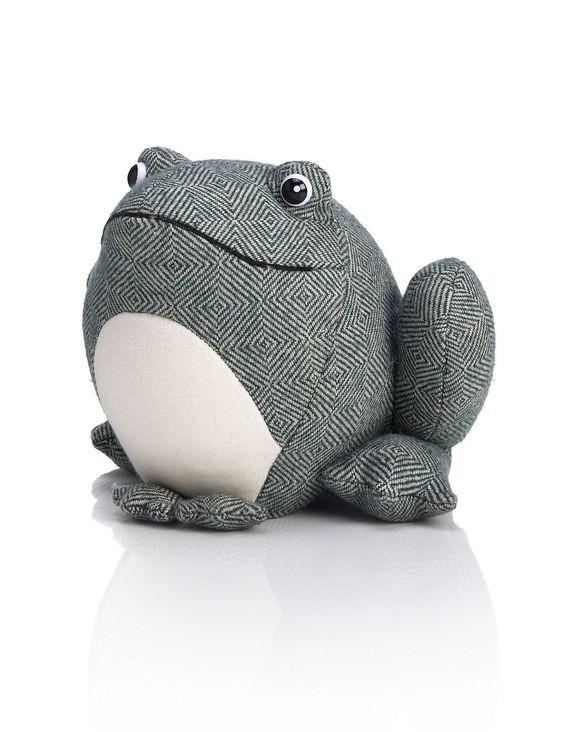 Cale porte frederick la grenouille idee cadeau pinterest - Cale porte tissu ...