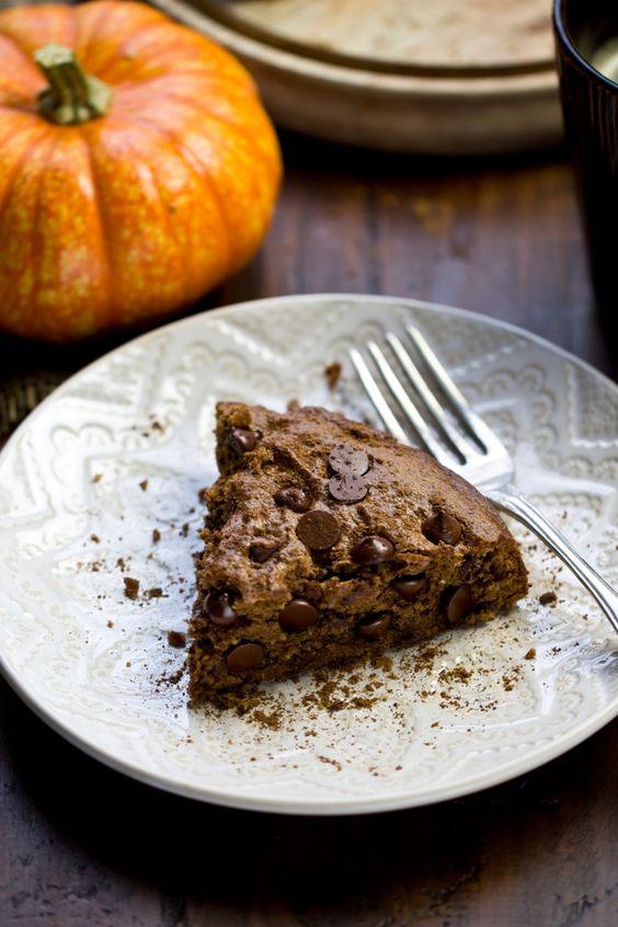 Vegan Pumpkin Spice Chocolate Chip Cookie Cake: