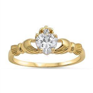 Sale Preis: Kleine Schätze - Gelbes Gold überzogener Sterling Silber 925 - Damen Ring - Zirkonia Claddagh Ring. Gutscheine & Coole Geschenke für Frauen, Männer & Freunde. Kaufen auf http://coolegeschenkideen.de/kleine-schaetze-gelbes-gold-ueberzogener-sterling-silber-925-damen-ring-zirkonia-claddagh-ring  #Geschenke #Weihnachtsgeschenke #Geschenkideen #Geburtstagsgeschenk #Amazon