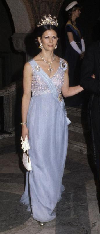 Nobel dinner 1979. Queen Silvia's diamond tiara and the Bernadotte diamond cross.