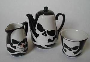#Skull design tea set: