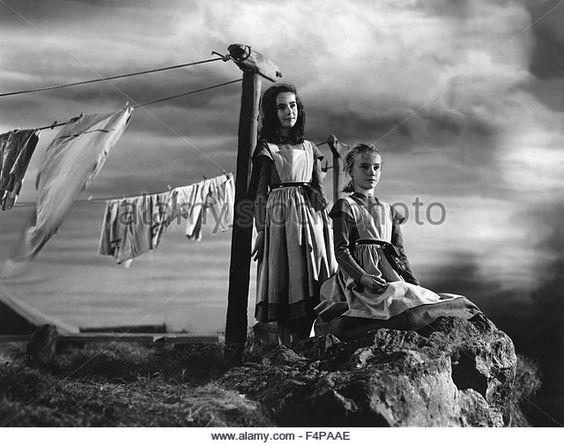 Elizabeth Taylor, Peggy Ann Garner / Jane Eyre 1943 directed by Robert Stevenson - Stock Image