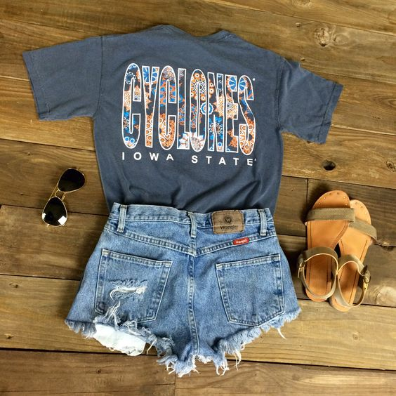 Enjoy this new Boho Dream Iowa State University t-shirt! This Comfort Color is super trendy for spring! Go Cyclones!