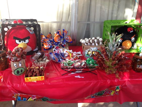 Angry birds snack table