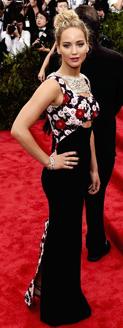 Jennifer Lawrence in Dior Haute Couture dress - Met Gala 2015