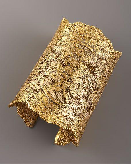 DIY !! brazalete con encaje endurecido + aerosol plata u oro
