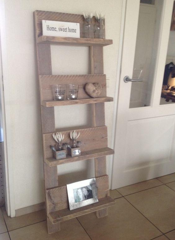 Leuk boeken/tijdschriften rek van steigerhout aangekleed met kleine ...