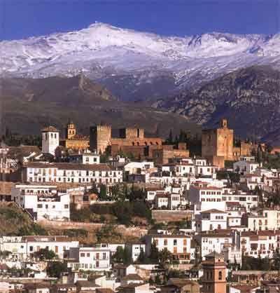 Alhambra de  Granada con Mulacen al fondo: