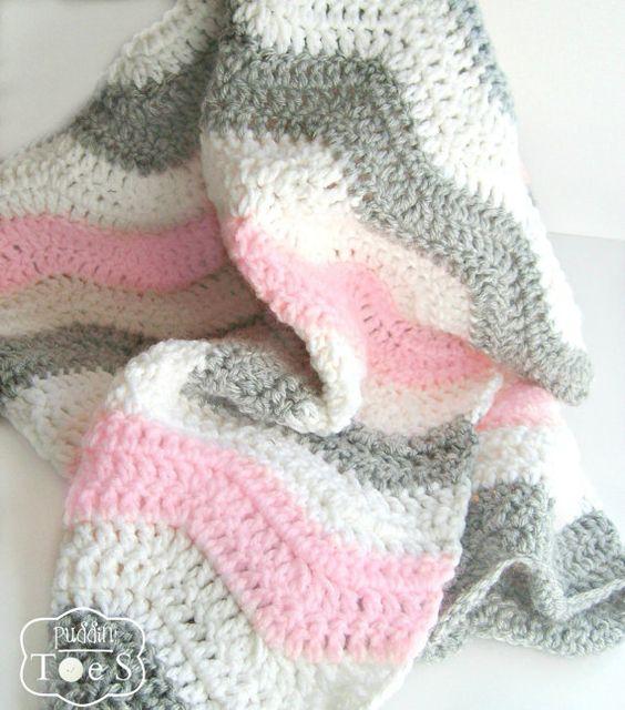 Rosa und grauen Chevron häkeln Baby Decke von PrairieHeartstrings