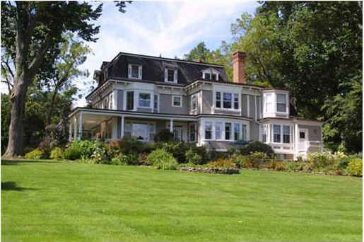 This house was in Stepmom AND The Bounty Hunter! And its for sale! Take a look....
