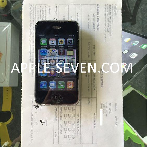 iPhone 3GS LCD pecah tombol home dan tombol on off macet atas nam Ibu Livia | Apple Pontianak
