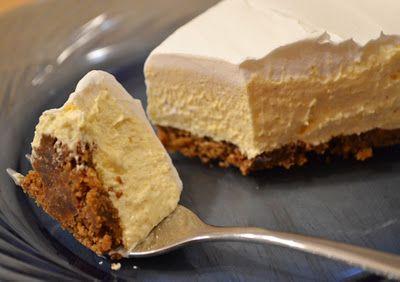 Eggnog cream pie