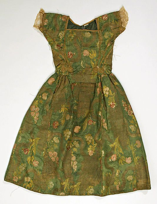 Dress    Date:      18th century  Culture:      Italian  Medium:      [no medium available]  Dimensions:      [no dimensions available]  Credit Line:      Gift of Mrs. Dewitt Clinton Cohen, 1939  Accession Number:      C.I.39.54.6