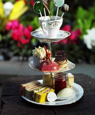Mad about Alice in Wonderland: The Mad Hatter's Afternoon Tea at ...