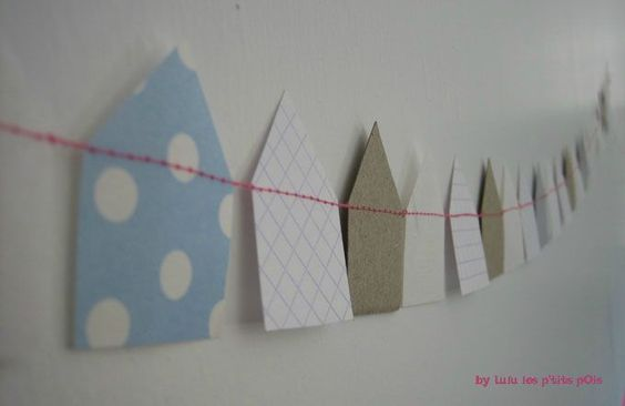 Paper houses garland by Lulu les p'tits pois