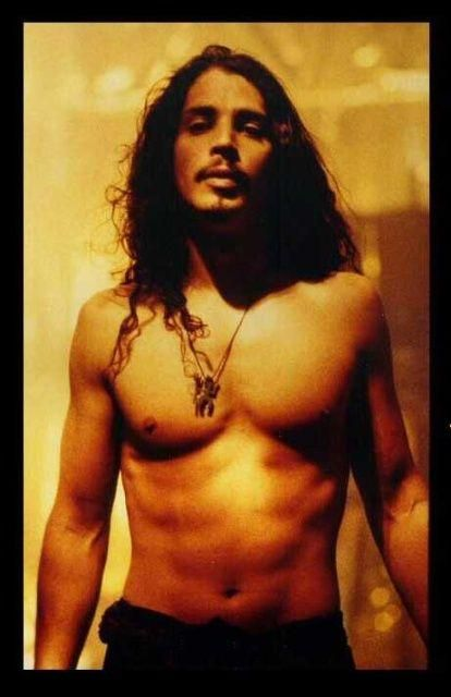 Not officially Pearl Jam, but Temple of the Dog, and who doesn't want to look at Chris every now and again?