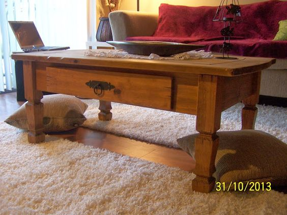Cottage style coffee table - great find on a  flea market!