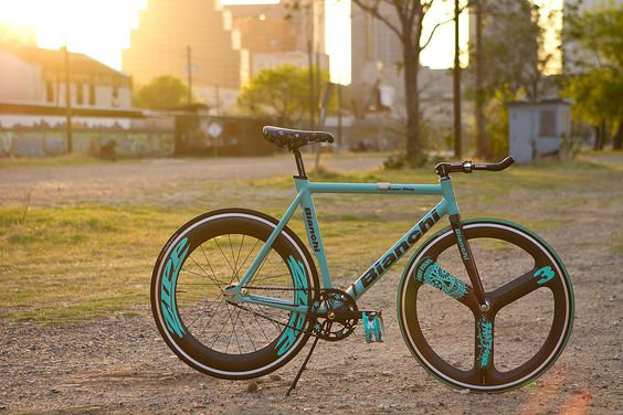 Bianchi Super Pista /by John Prolly #sexy #fixie #bianchi