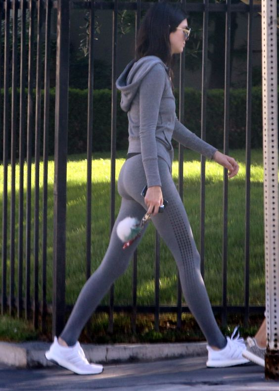 kendall jenner in tights