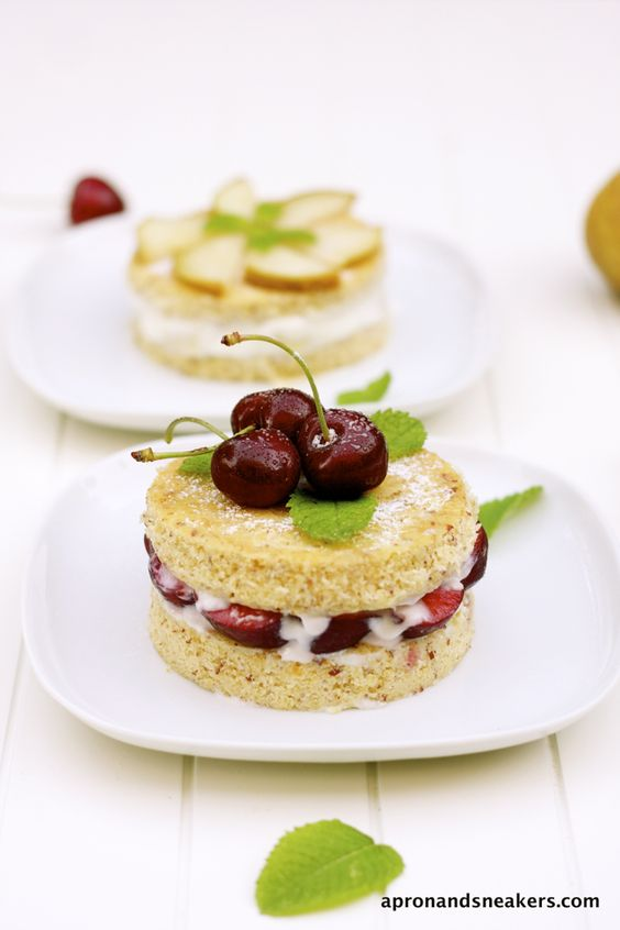 @Apron and Sneakers - Cooking & Traveling in Italy: Mini Almond Cakes with Ricotta, Pears & Cherries
