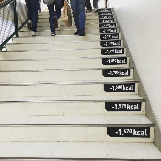 Ils sont forts ces Japonais. Non seulement ils mangent équilibré ils font tous du Judo et en plus ils comptent les Kcal dans les escaliers. Japanese are good aren't they? Good at judo feed healthly they even count Kcal in stairs.