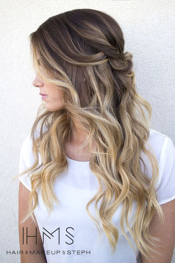 Blonde Highlights on Brunette Hair | 11 Bombshell Blonde Highlights For Dark Hair - Best Hair Color Ideas by Makeup Tutorials at http://makeuptutorials.com/11-bombshell-blonde-highlights-dark-hair/