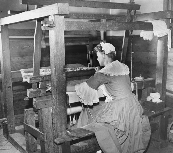 Google Image Result for http://0.tqn.com/d/womenshistory/1/0/O/x/2/weaving-3376258a.png