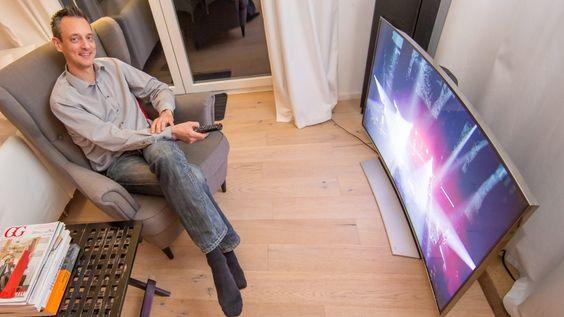 SAMSUNG UHD-TV HU8590 IM TEST Ist dieser Kurven-TV besser als ein flacher?