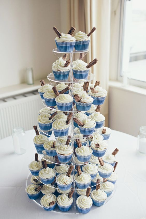 I love these '99 cone' inspired #cupcakes, simple but so effective - yummy! Perfect for a seaside shindig!