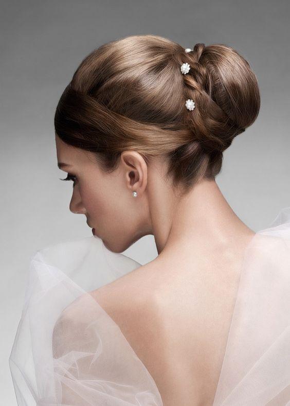 Brautfrisur-ohne-schleier_92492830