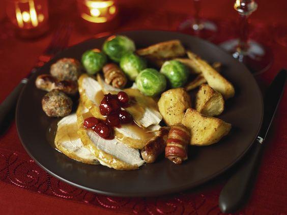 Weihnachtlicher Putenbraten   Zeit: 1 Std. 45 Min.   http://eatsmarter.de/rezepte/weihnachtlicher-putenbraten-0