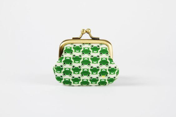 Baby purse  Chibi frogs in green  metal frame pouch by octopurse, $16.60