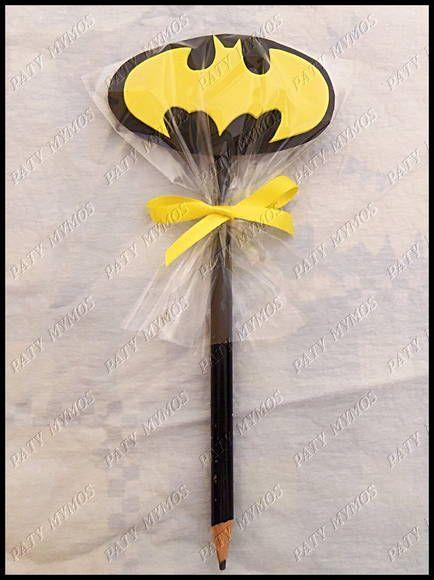 Ponteira feita com eva, embalado no saquinho celofane e fita de cetim amarela.