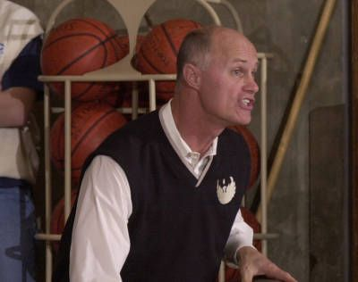 Kevin Borseth is coming back to coach the UWGB Phoenix Women. He will be (re) introduced at a news conference on Thursday.