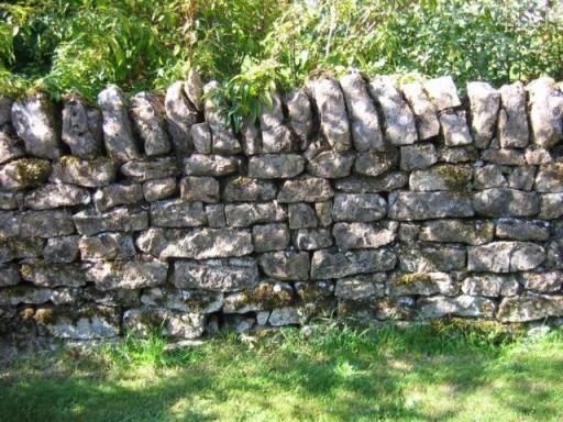 stenen tuinmuur met deur - Google zoeken