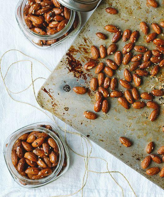 Mirin & Maple Roasted Almonds : THE SIMPLE VEGANISTA