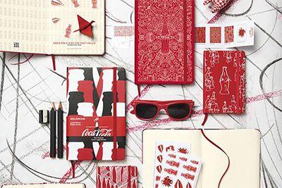 「モレスキン×コカ・コーラ」限定ノートが登場 - ボトルをモチーフにデザイン | ニュース - ファッションプレス