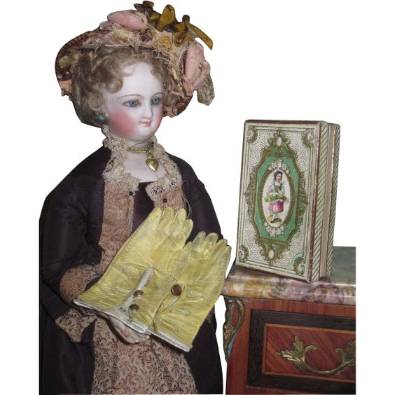EXQUISITE Rare Set of Authentic French Boutique Doll Gloves in Original Early Presentation Box!
