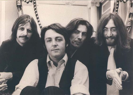 Source : http://www.nogenremusic.com/wp-content/uploads/2010/11/The-Beatles-Again.jpg