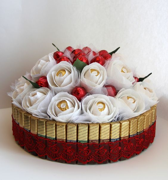 """8 مارس """" كل عام والمراة بالف خير """" تكريم اعضاء قسم المدونات"""