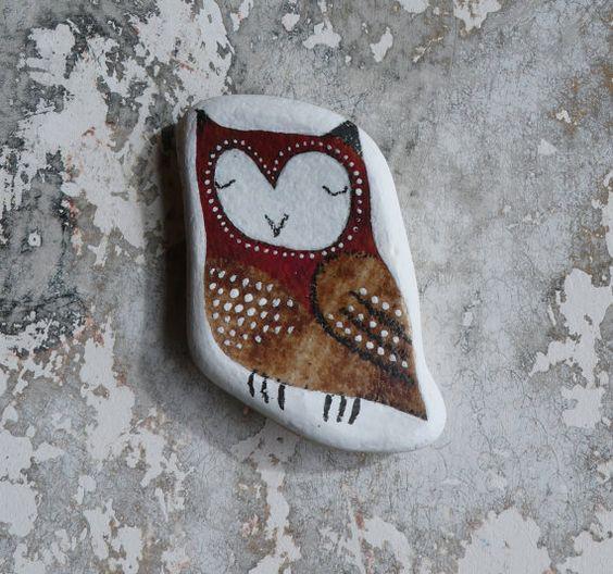 Red and Brown Beach Pottery Owl von LillaJizo auf Etsy, $70.00