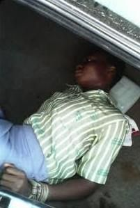 NIGERIAN TOP SECRET: Photos: 3 kidnappers paraded naked in Osun after t...
