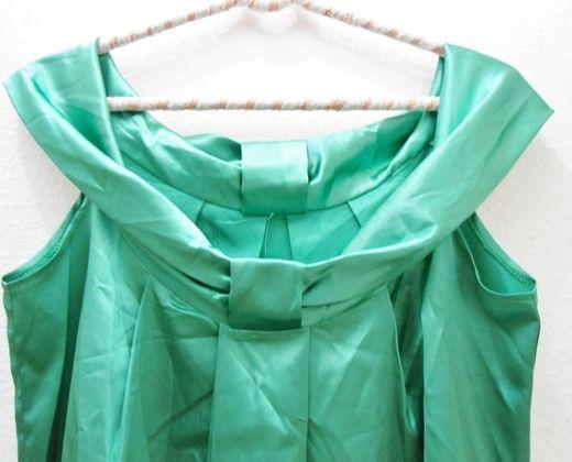 vestido verde R$95,00 Vestido Cetim Verde Mary Zaide Cetim, lindo para comemorar em qualquer ocasião. De grife e nunca usado. Lindo!
